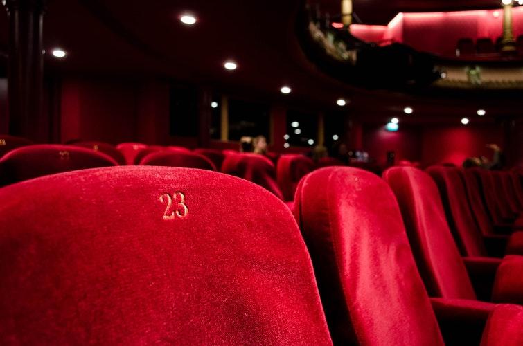 «Αναλόγως τι ταινίες βλέπεις!»