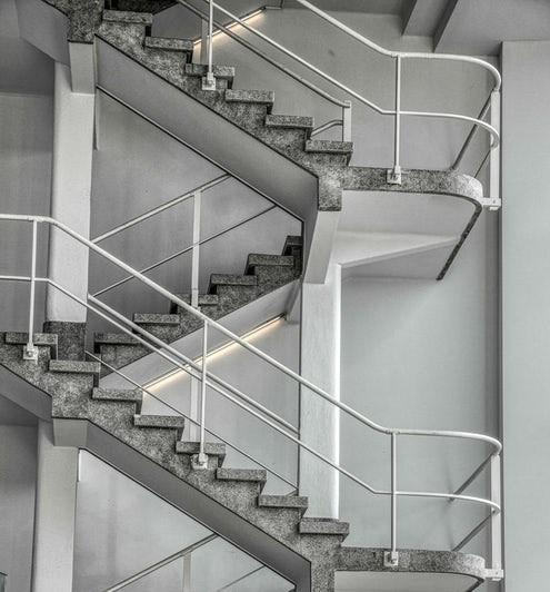 «Το ασανσέρ της επιτυχίας...»