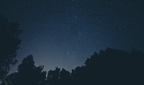«Εσύ θα έχεις τ΄αστέρια που ξέρουν να γελάνε.»